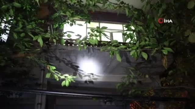 Halı silkeleyen karı koca balkondan düştü
